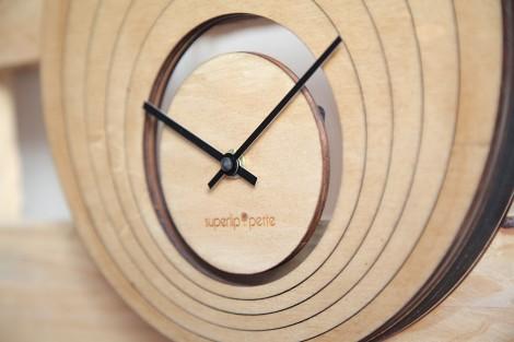 Horloge Illusion, petit modèle, vue de profil